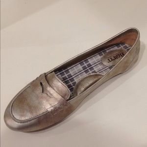 Born Leather Mixed Metallic Penny Loafer